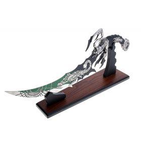 """Сувенирное оружие """"Кинжал"""" зелёный со скорпионом на лезвии и рукоятке, на подставке"""