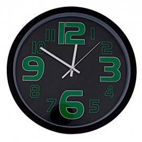 Часы настенные черные в тонкой раме с зелеными цифрами